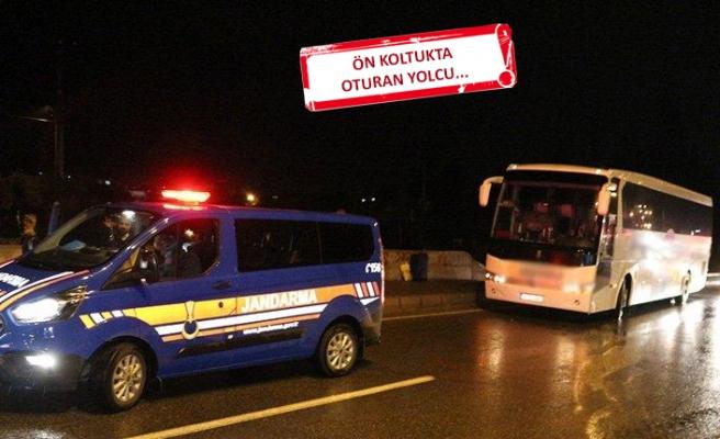 Yolcu otobüsü şoförü direksiyon başında kalp krizi geçirdi