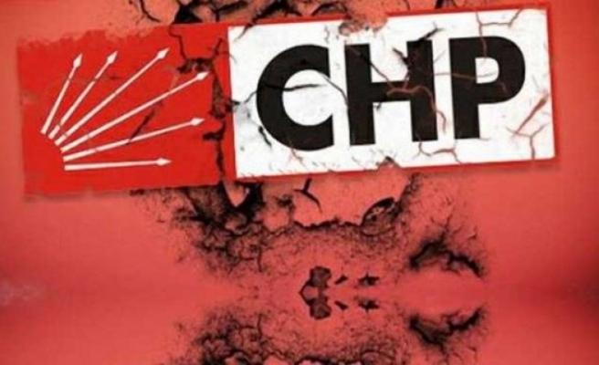 CHP'de o ilçe yönetimi görevden alındı