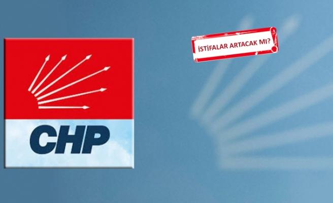 CHP İzmir'de istifa dalgası: O ilçe başkanı istifa etti