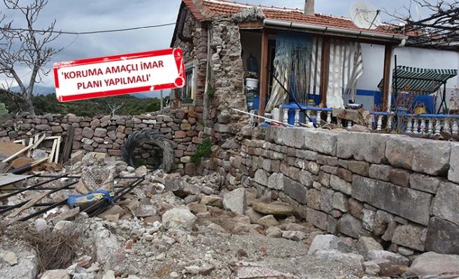 İzmir'in o mahallesinde tarih çöküyor