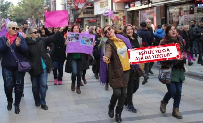 İzmir Kadın Savunma Ağı'ndan '14 Şubat' eylemi!
