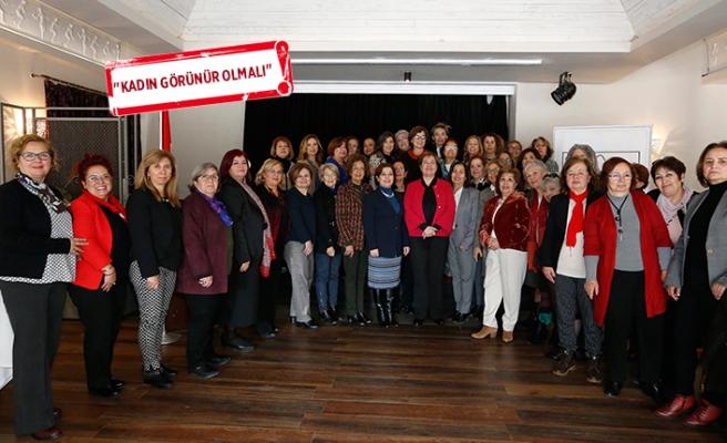 İzmir'in iki kadın belediye başkanına 'vefa'