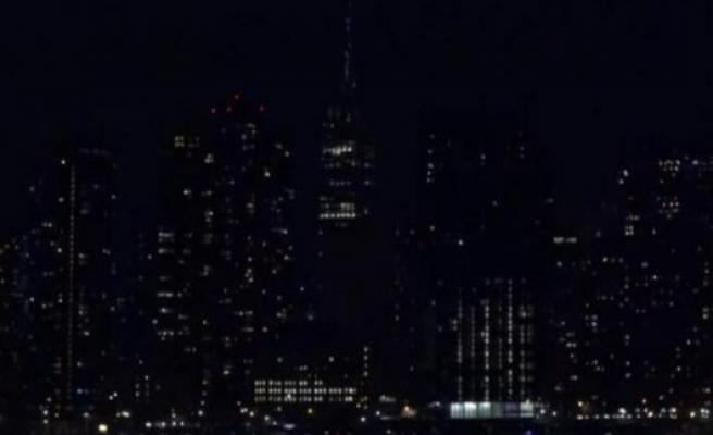 Dünya başkentleri karanlığa gömüldü