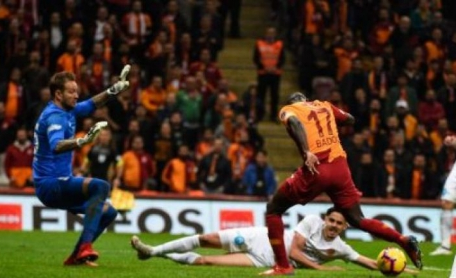 Galatasaray gol oldu Antalyaspor'a yağdı