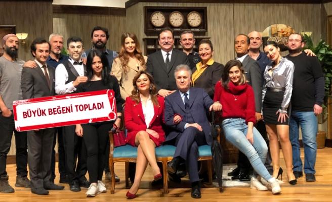 'İkinin Biri' perdelerini İzmir'de açtı