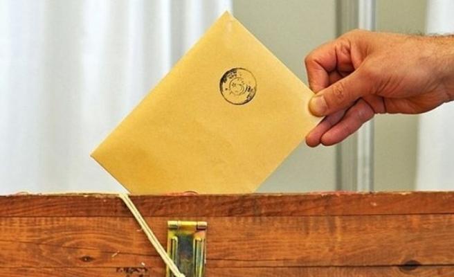 İzmir'de oy kullanacak seçmen sayısı belli oldu!