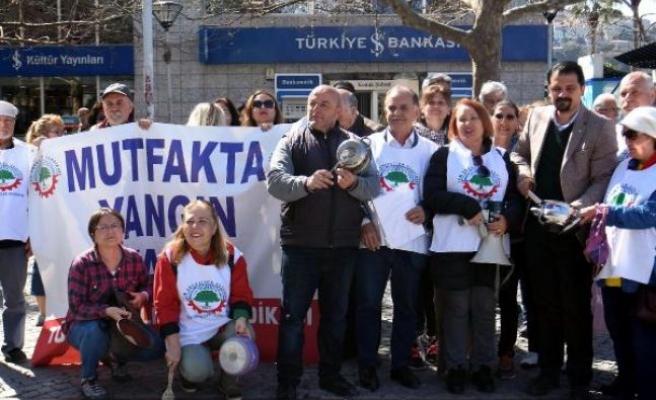 İzmir'de Tüm Emekli Sen'den eylem