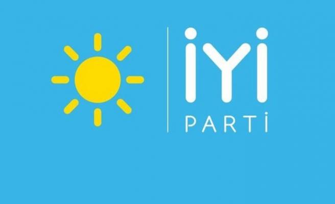 İzmir'de İYİ Parti'den toplu istifa