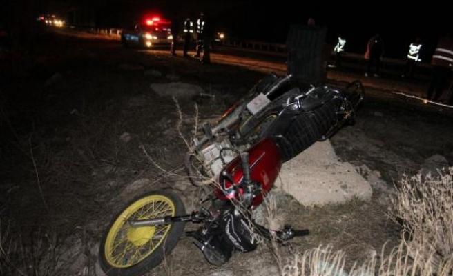 Motosiklet yarışı ölümle bitti