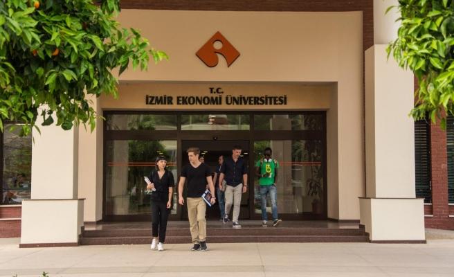 Öğrenciler Kariyer Günleri'nde sektörle buluştu