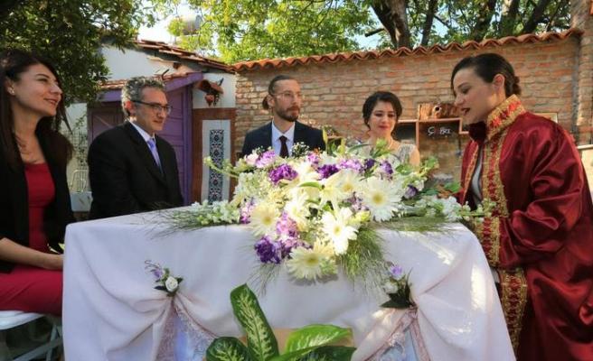 Başkan Sengel ilk nikahını kıydı