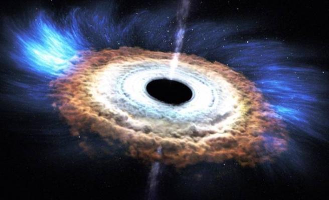 Canlı yayında paylaşıldı: İşte kara delik fotoğrafı