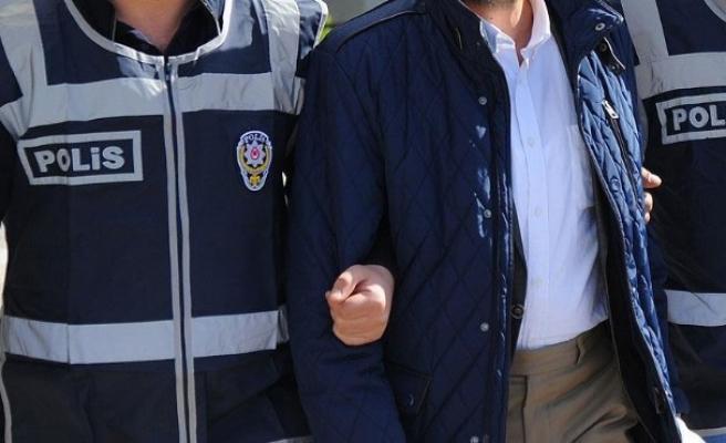 İzmir'de FETÖ'den 5 tutuklama