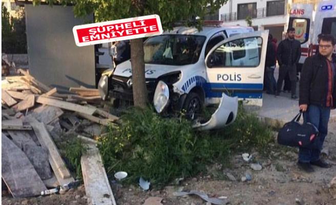 İzmir'de feci kaza: 1 ölü, 1'i polis 2 yaralı