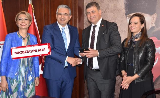 Karşıyaka Belediye Başkanı Tugay, göreve başladı