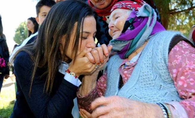 Sengel: Selçuk, bir arada yaşamayı Türkiye'ye gösteriyor
