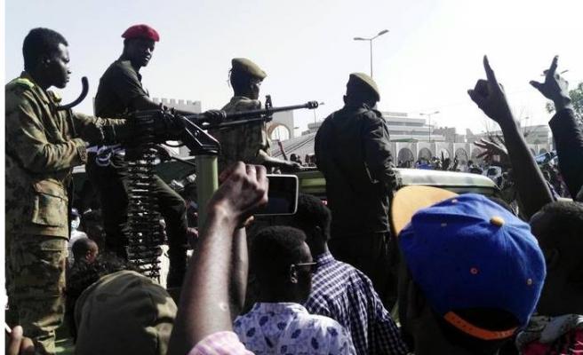 Sudan'da askeri darbe!