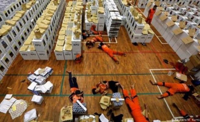 Yorgunluktan öldüren seçim: 272 kişi can verdi