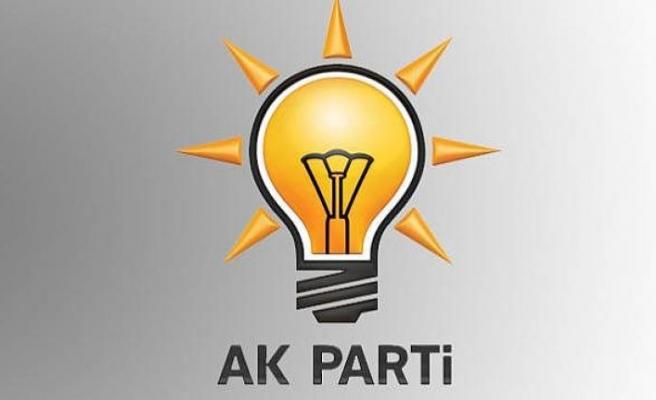 AK Parti'deki bütün görevlerinden istifa etti