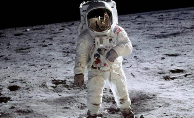 Ay'a gidecek ilk kadın astronot için tarih belli oldu