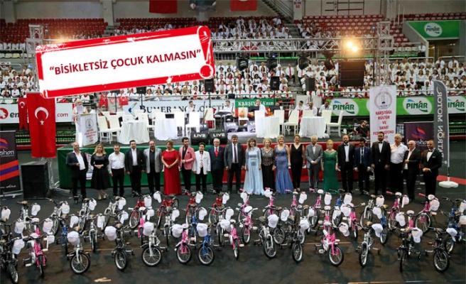 Dev koro bisikletsiz çocukları sevindirdi!