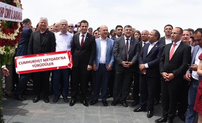 İzmir'de, CHP'den alternatif '19 Mayıs' kutlaması