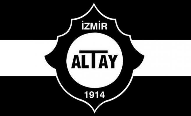 Altay sağ bek Tolga'nın peşinde