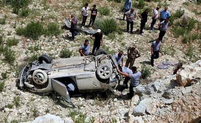 Bayram tatilinin 5'inci gününde de trafik kazaları can aldı