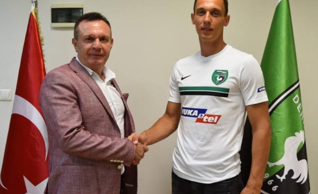 Denizlispor'da Stackhowiak imzaladı