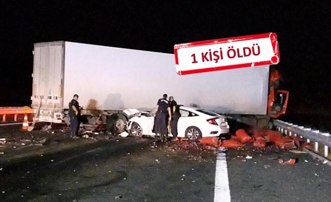 Feci kaza: 3 araç birbirine girdi