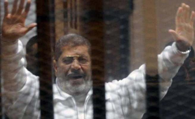 Flaş! Mursi hayatını kaybetti!