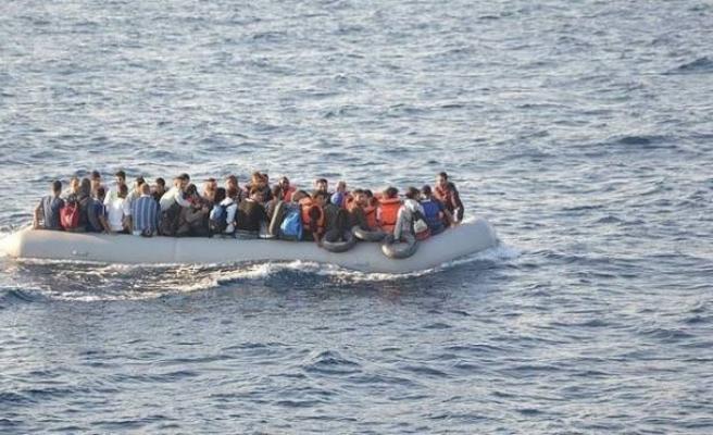 Foça'da 37 kaçak göçmen yakalandı