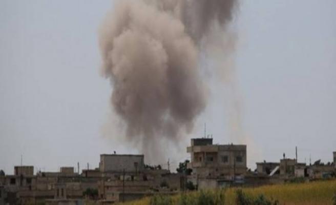 İdlib'e hava saldırıları: 5 kişi öldü