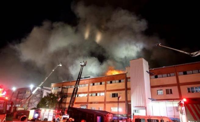 İstanbul'da fabrika yangını: 4 ölü!