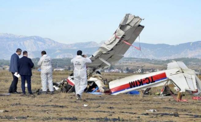Manavgat'ta uçak düştü: Yaralılar var
