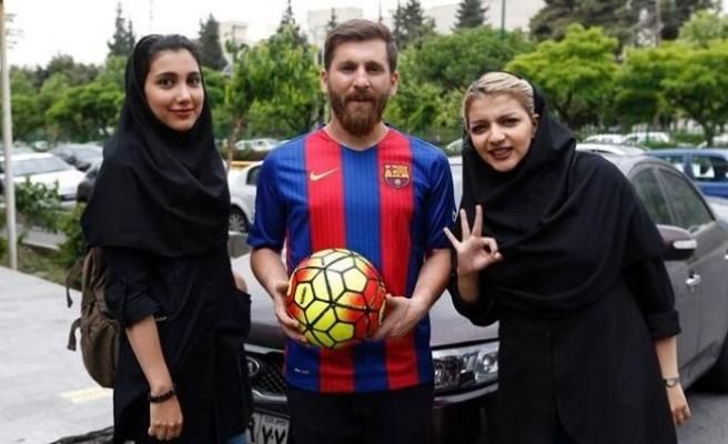 Messi'yim dedi, 23 kadınla ilişkiye girdi!