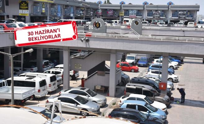 Otomobil satışına 'tatil' molası