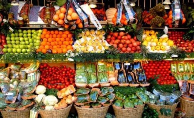 Türk meyve sebzesi 'uçuşa' geçti