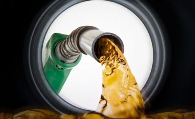 Benzinde indirim beklentisi