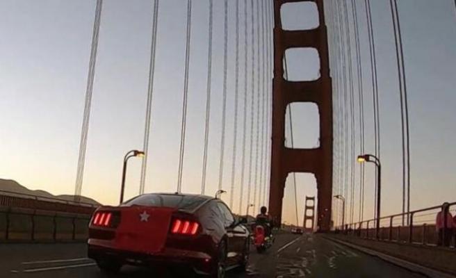 Dünyaca ünlü köprüde 15 Temmuz anması!