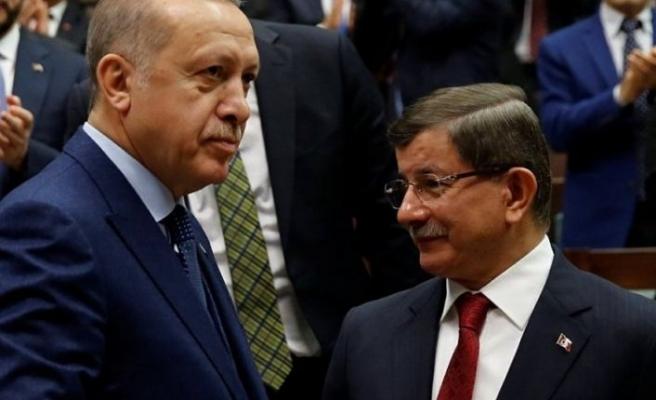 Erdoğan'dan Davutoğlu'na: Parti kuruyormuşsun...