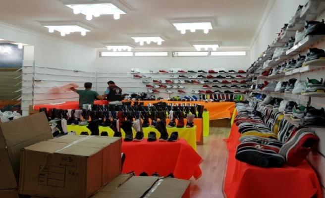 İzmir'de 13 mağazaya 'taklit ürün' operasyonu