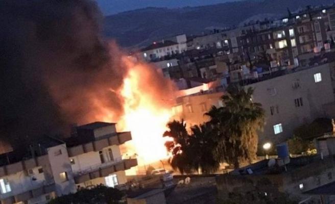 Reyhanlı'da patlama: Çok sayıda yaralı var!