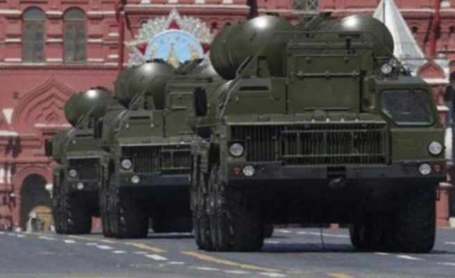Rus basını duyurdu: S-400'ler yola çıktı