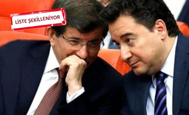 Babacan ve Davutoğlu'nun ekibinde kimler var?