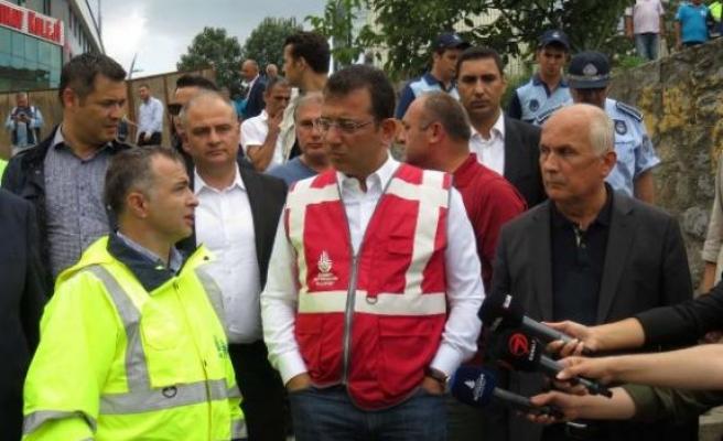 Ekrem İmamoğlu selin vurduğu Üsküdar'ı ziyaret etti