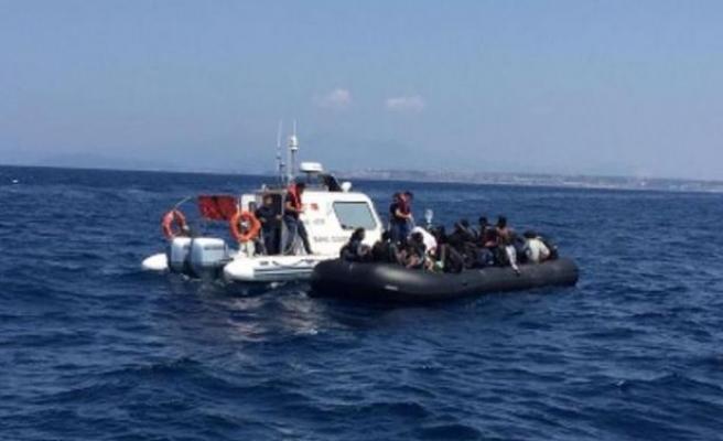 İzmir'de 105 kaçak göçmen yakalandı