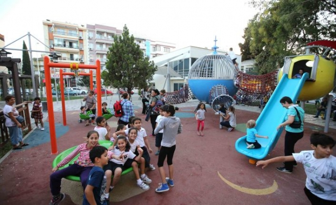 Karşıyaka'da park hamlesi