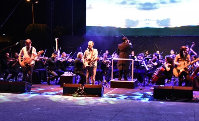 Mor ve Ötesi'den senfonik konser