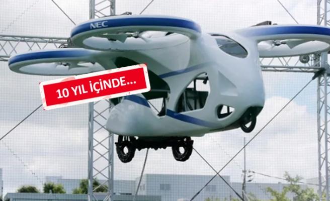 Uçan arabanın deneme uçuşu yapıldı!